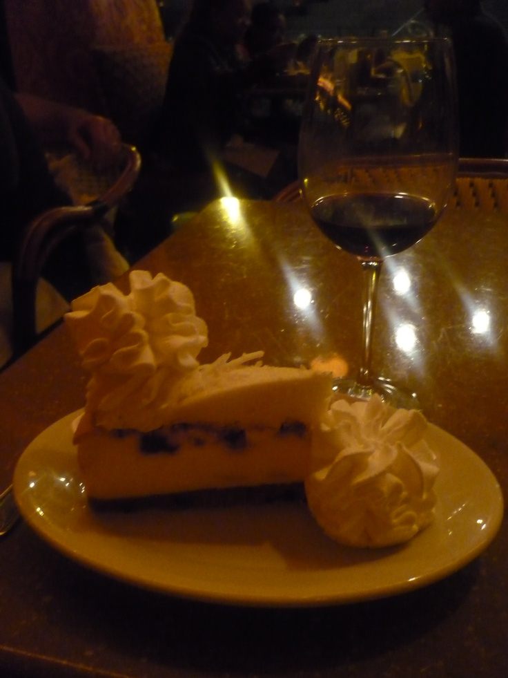 Vanilla and blueberry cheesecake - The Cheesecake Factory, Chicago - September 2011.