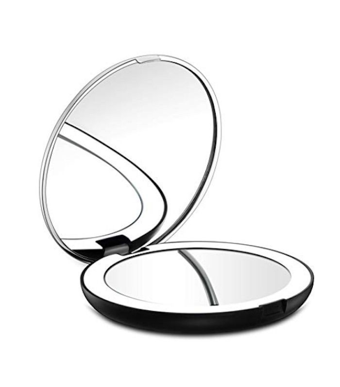 The 7 Lighted Travel Mirrors That Guarantee Great Makeup Travel