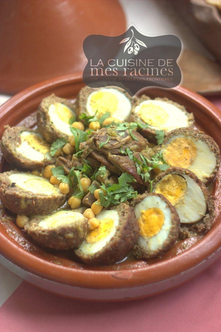 je vous propose un plat algérien qui reflète toute la richesse et la subtilité de cette cuisine un plat qui nous rappelle un peu l'œil espagnol le tajine rkham ou el-rekham connu aussi sous le nom du medgoug ;el- rkham  en dialect algérien veut dire marbre ce qui peut apparenté le visuel de ce  tajine au différentes  couleur du marbre  ….ce tajine est un plat en sauce blanche cuisiné avec de l'agneau parfumé a la cannelle et garni de pois chiche et des œufs durs enveloppés de viande hachée…