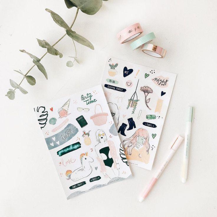 Itens de papelaria sempre me animam ainda mais quando são lindos assim  Cartela de adesivados incríveis que comprei da @yoliinacio quem quiser também é só falar com ela aqui pelo Instagram Pode vir 2018!