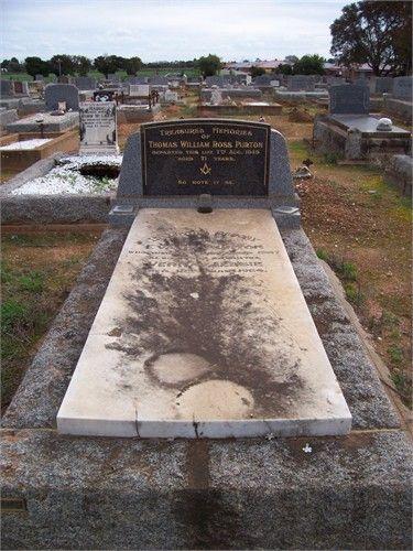Eva Purton's grave