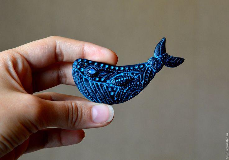 """Брошь """"Кит"""" - черный, бирюзовый, кит, океан, животные, полимерная глина, брошь…"""