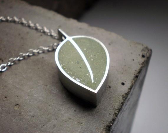 Concrete Leaf NecklaceConcrete Leaves, Forests Green, Concrete Jewelry, Etsy Pendants, Emerald Green, Emeralds Green, Green Concrete, Concrete Pendants, Leaf Necklaces