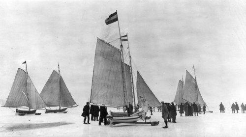IJszeilen op de Gouwzee bij Marken, 1927