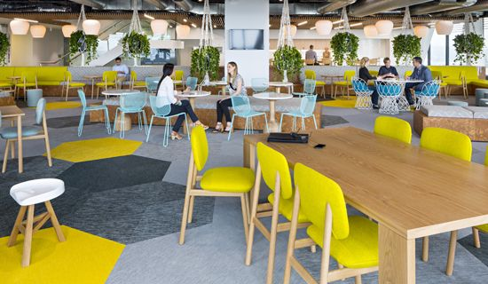 The established interior design practice Geyer has designed the new open office space for Arrow Energy in Brisbane, Australia. 1600 m2 of Bolon Botanic collection in all the solid colours; Viva, Iris, Ivy, Tilia, Picea, Cilia, and Osier, are used to create a warm and welcoming environment.
