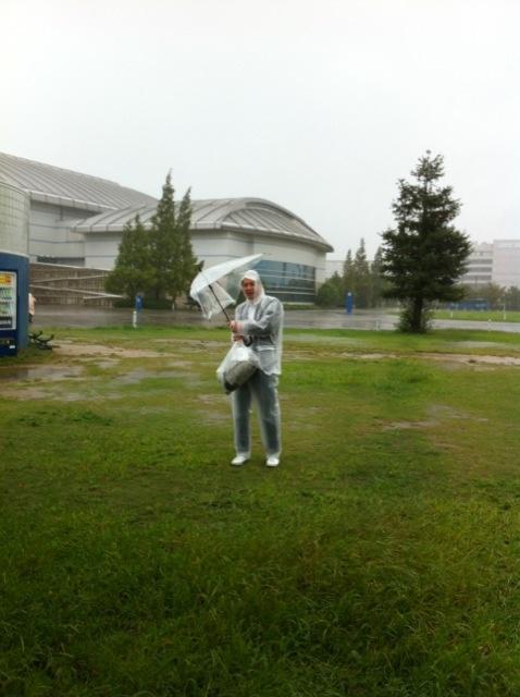 移動中の写真。傘は秒殺でしたw