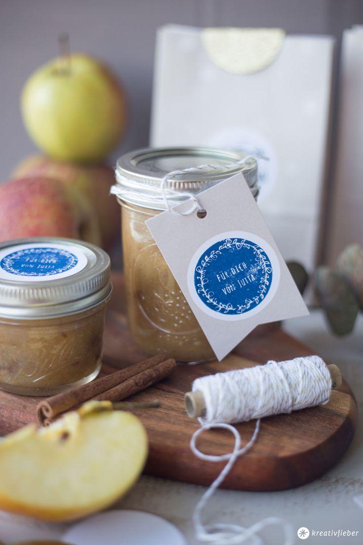 DIY Geschenke aus der Küche: Rezept für Bratapfelmarmelade mit Marzipan und individuelle Stempel für Geschenke aus der Küche selbermachen mit NIO