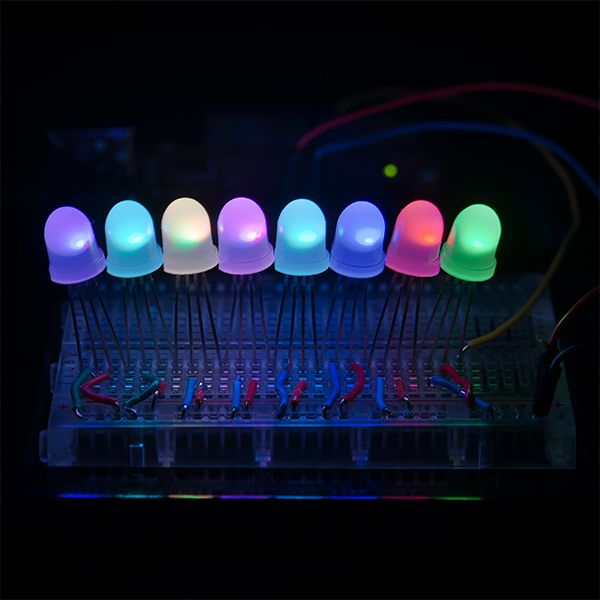 LED - RGB addressable, PTH, 8 mm (5 ks)