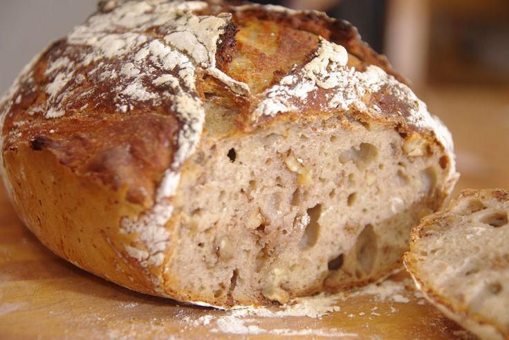 Knetfreies Dinkel-Walnuss-Brot