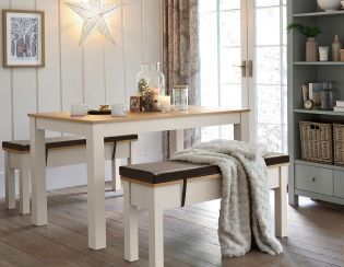 Have you been roped in to hosting Christmas dinner this year? Our Malvern  bench set