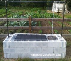 25+ DIY Cinder Block Projects for Your Home @ Momwithaprep.com   Project from Villapacis