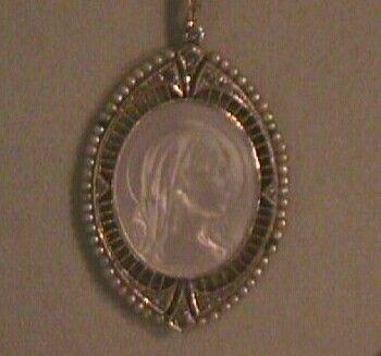 Pendente antico in platino e brillanti con raffinate proporzioni e lavorazione Riva gioielli argenti antichi Bergamo www.gioielliantichi.eu