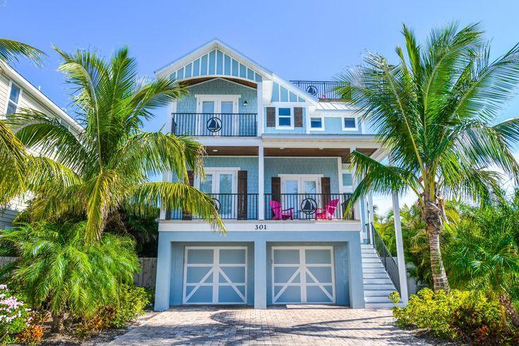 Coastal Cove Vacation Rental In Bradenton Beach Florida Ami Locals Island Vacation Rentals Beach Bathrooms Luxury Rentals