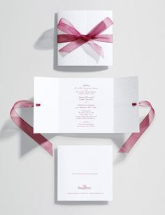Lovely wedding invite idea. Wonder if this could be a easy DIY.