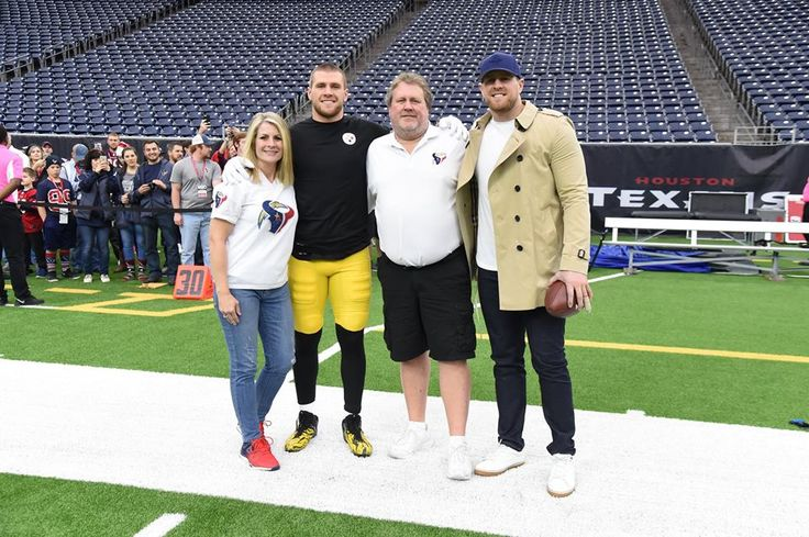 12/25/2017 The Watts at the home of the Texans. Missing was brother Derek! The Watts had this planned out since they saw the 2017 schedule! T.J. Watt able to have Christmas dinner with J.J. and his family at J.J.'s home on Christmas eve! Derek joined via cell phone!