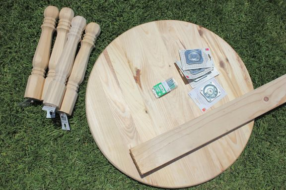 DIY round toddler table?OMG this is perfect for savanna's new room