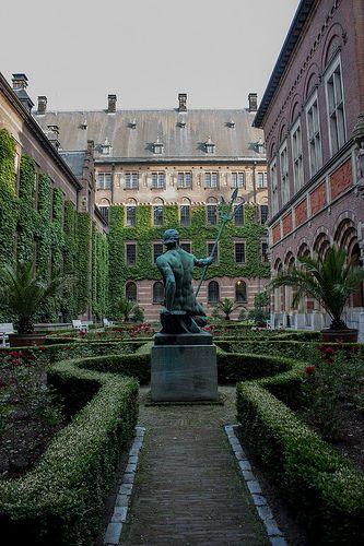 Garden city hall | Rotterdam | Netherlands | Guided Tours | The Original Rotterdam Way! | https://www.RotterdamAdventures.nl