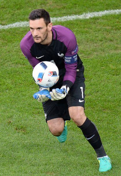L'équipe de France a conservé la première place du groupe A malgré un match nul face à la Suisse (0-0), dimanche soir, à Lille.