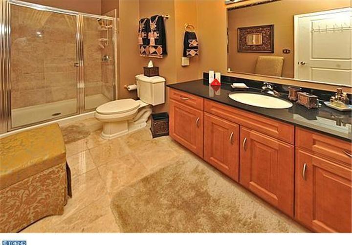 Best 20 granite countertops bathroom ideas on pinterest - Ceramic tile bathroom countertops ...