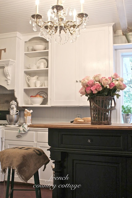FRENCH COUNTRY COTTAGE: Creating Open Shelves in the Kitchen