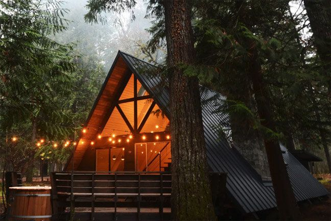 Big Fun At Little Owl Cabin In Mt Rainier Washington Exploratory Glory Travel Blog Tinyhouse Living Travel Deals In 2020 Shed To Tiny House Backyard Cabin Backyard Guest Houses