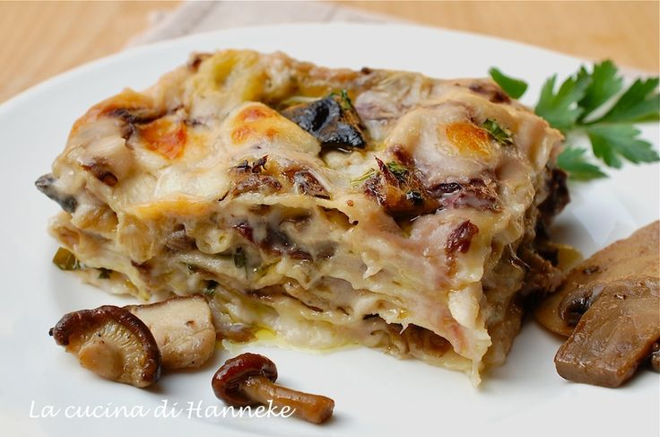 Lasagne with mushrooms and radicchio - Lasagne ai funghi e radicchio