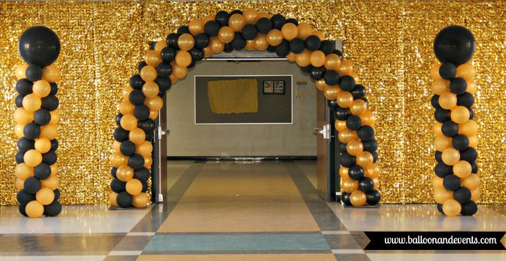 Graduation Balloon Decor! #balloons #balloonandevents #iamconwin #floralsheeting #balloonarch