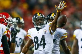 Antonio Brown  signed a  five-year contract  with the  Pittsburgh Steelers  on Monday that makes him the  NFL';s highest-paid wide receiver. Not bad for someone drafted in the sixth round in 2010...