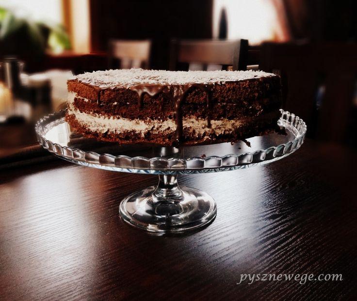 Torcik czekoladowy z wiśniami