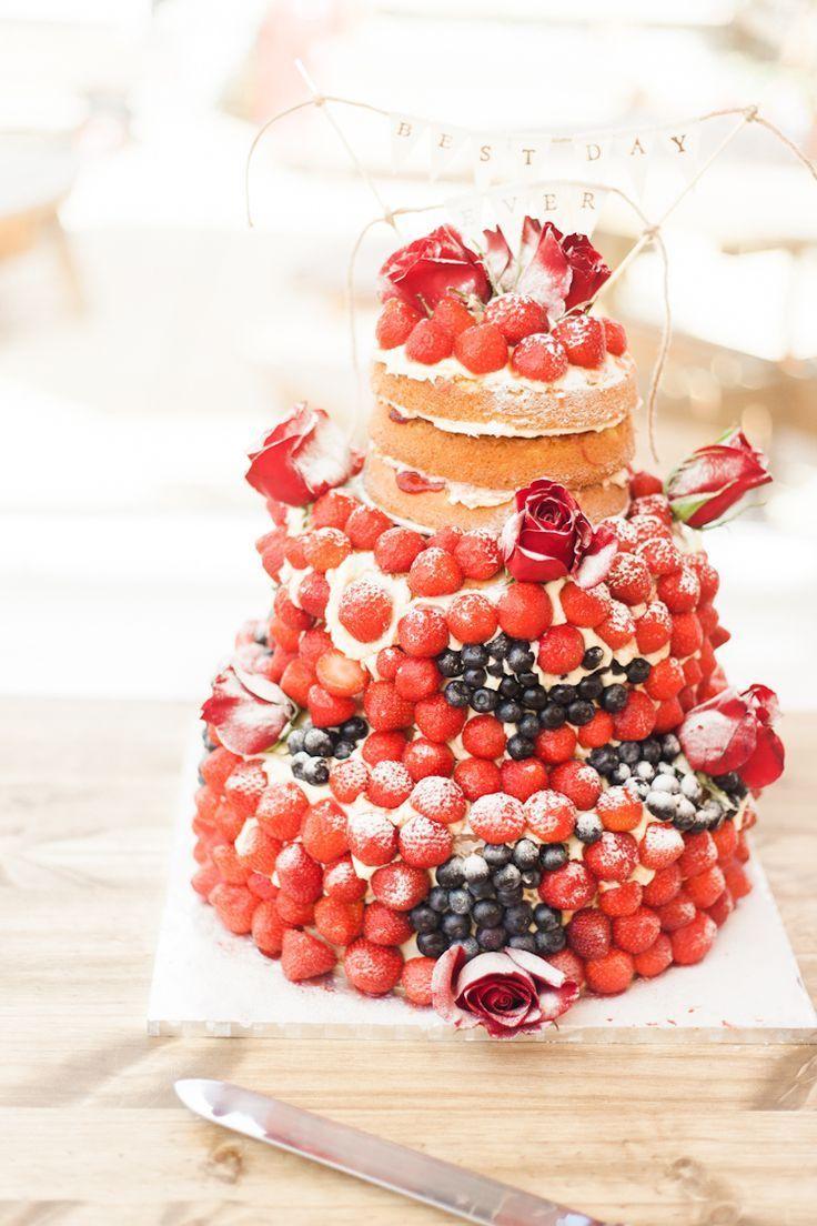 手作り感がかわいいネイキッドケーキはゲストに誉められそう♪ 個性的なウェディングのアイデアまとめ。結婚式・ブライダルの参考に☆