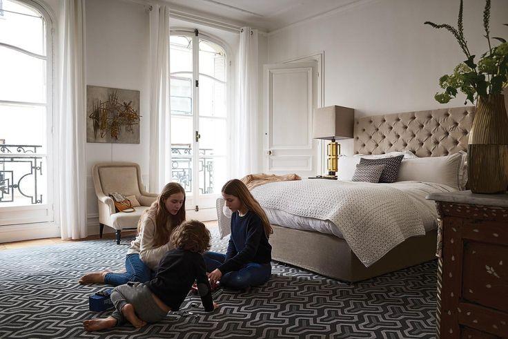 Danvers nos ha elaborado esta entrada sobre Claire Waight Keller que es, desde el año 2011, directora creativa de Chloé. Este apartamento situado al lado del Bois de Boulonge en el 16 distrito de París, está formado por salas hausmanianas que se comunican unas con otras desde un extremo al otro de la casa. Su…