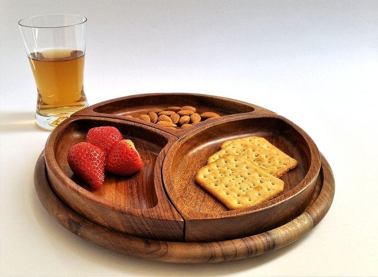 Large 3 sections wooden snack and cheese set | Drevená tácka s 3 vyberateľnými miskami