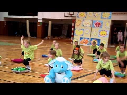 HLUK 2015: Akademie školy - 1. A, Sloník Toník (www.SlovackoDNES.cz) - YouTube