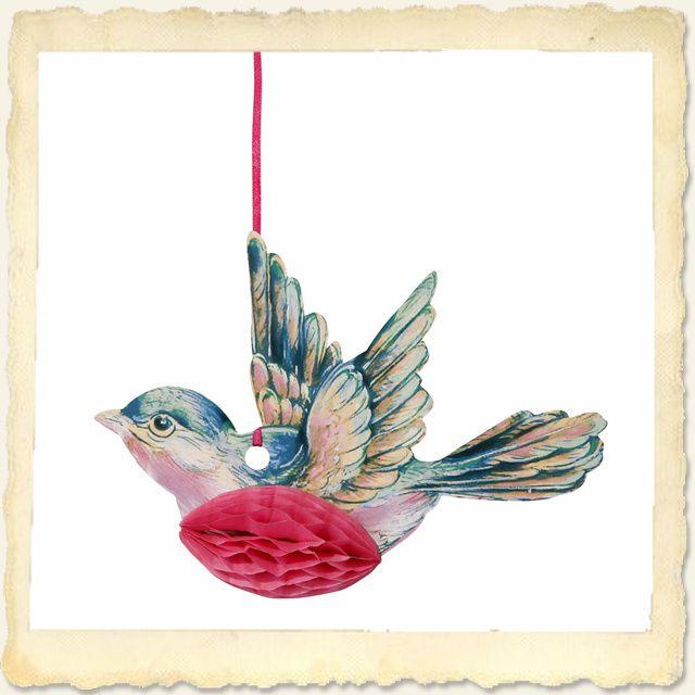 Hoor jij dit vogeltje ook zo vrolijk fluiten?  Fantastisch voor een bruiloft met een zoet thema, het kinderfeestje van je dochter of om gewoon zo op te hangen in je huis.