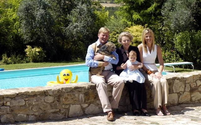 Prince Willem-Alexander holds Mac, another pet of the Royal Family of the Netherlands.  Possibly taken at the family home on the Italian coast...the Laughing Elephant, named by Prince Bernard, among the founders of World Wildlife Fund.