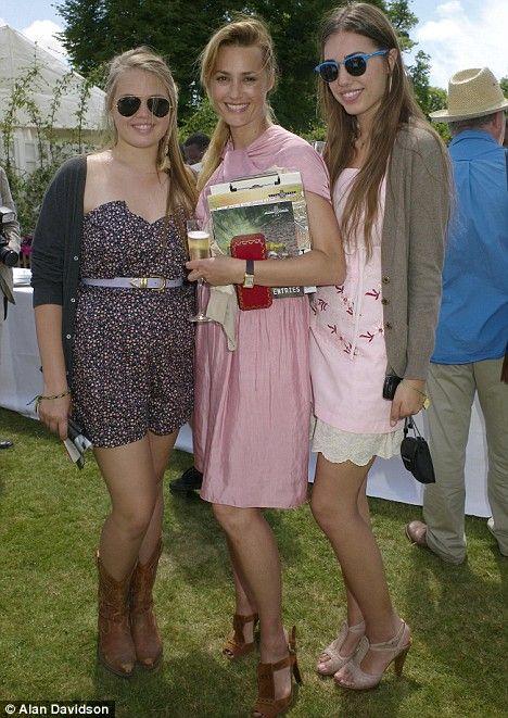 Yasmin Le Bon, with daughters Tallulah (l) & Amber Rose (r).