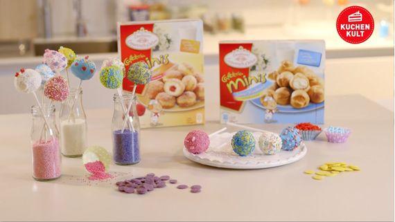 Cake Pops – das sind Kuchen mit Stil, ein süßes Highlight auf Partys oder Kindergeburtstagen. Wir zeigen euch, wie ihr aus den Mini-Windbeuteln oder den Mini-Berlinern aus der Conditorei Coppenrath