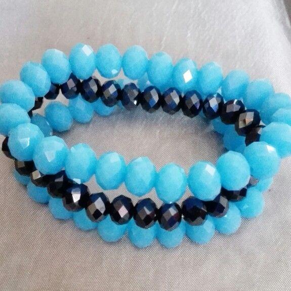 Blue glass bead bracelet set