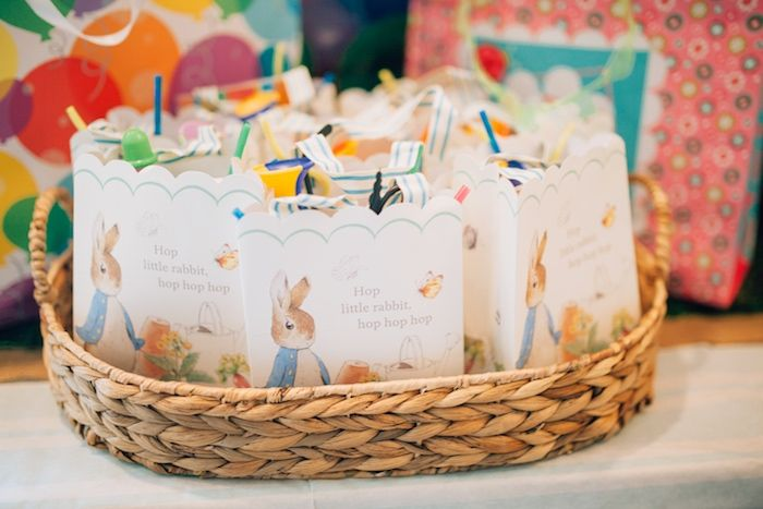 Treat Bags | Beatrix Potter's Peter Rabbit Inspired Birthday Party | Cake by The Mischief Maker, Alex Narramore | Natasha Raichel Photography