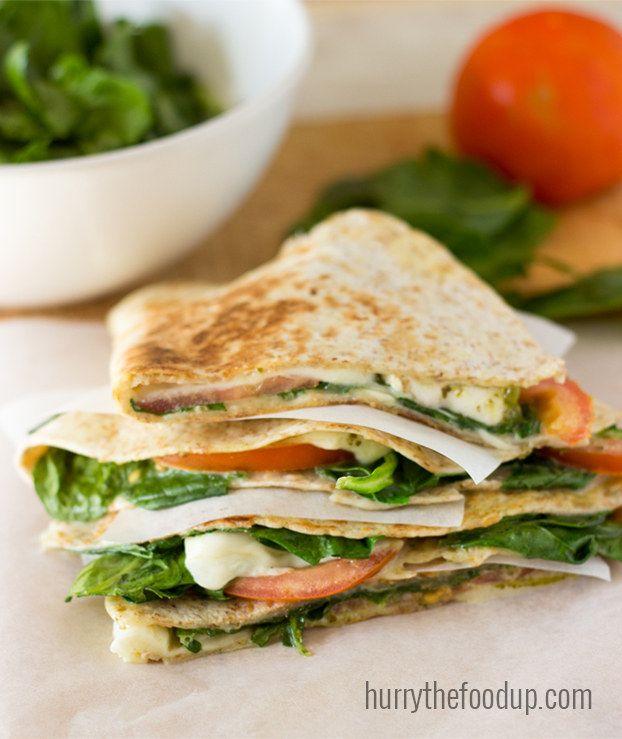 Quesadillas vegetarianas de espinaca y tomate                                                                                                                                                                                 Más