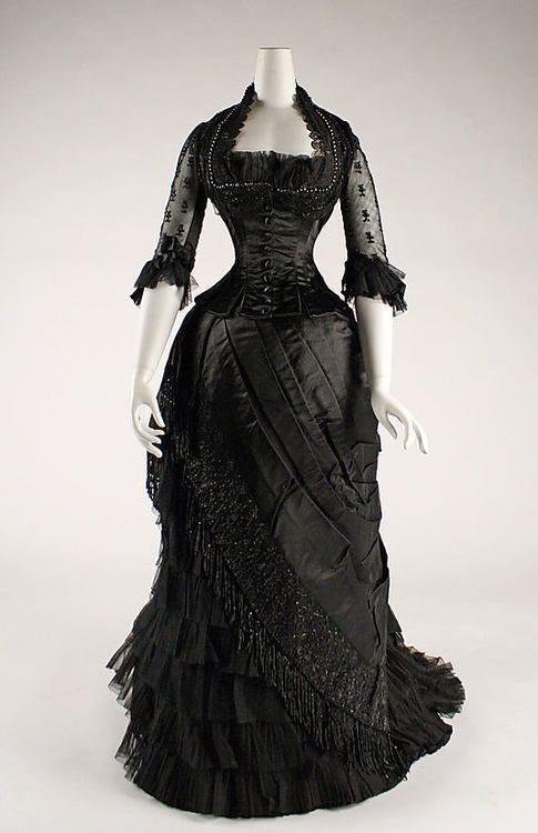 Dress 1881-1884 The Metropolitan Museum of ArT