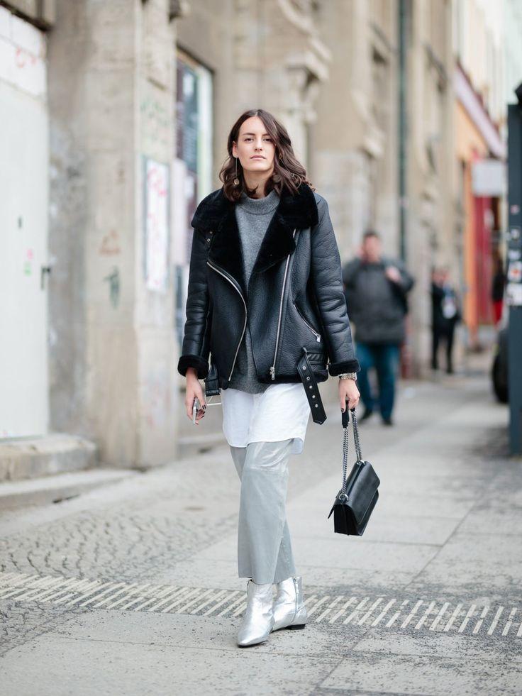Bloggerin Nina Hübscher von Nina Ninaco wurde ebenfalls rund um das Kaufhaus Jandorf gesichtet und präsentierte einen legeren Metallic-Look.