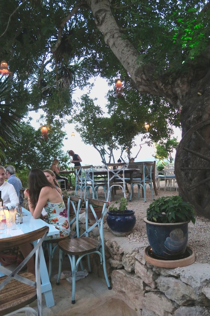 Lichtjes in de bomen, waanzinnig eten en cocktails | Restaurant La Paloma Ibiza