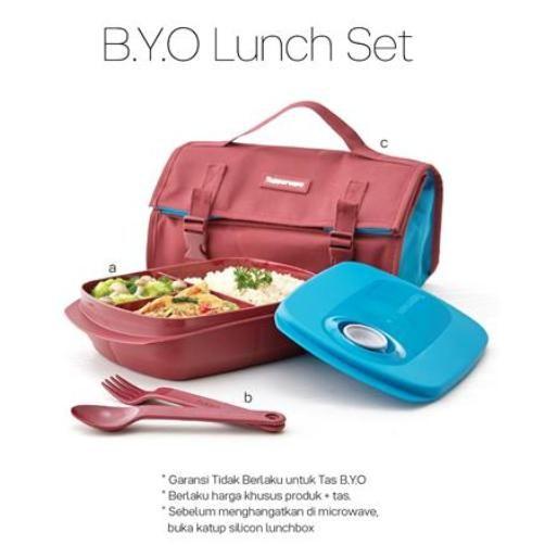 Jual beli Bring Your Own Lunch Set di Lapak Panorama76 Online Store - panorama76. Menjual Tempat Penyimpanan & Organizer - Harga Katalog : Rp. 240.000 / Set Harga Diskon : Rp. 150.000 / Set  Terdiri dari : - Lunch Box 1L / 24x15.7x5.7 cm - Cutlery / 15.7x2.4 cm - Tas