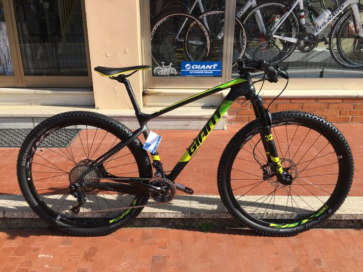 Disponibile la nuovossima Giant XTC Advanced. Available now the new Giant XTC Advanced.