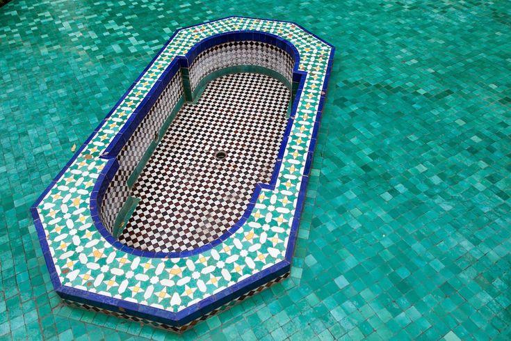 Mosaicos geométricos en la Gran Mezquita de París. | Matemolivares