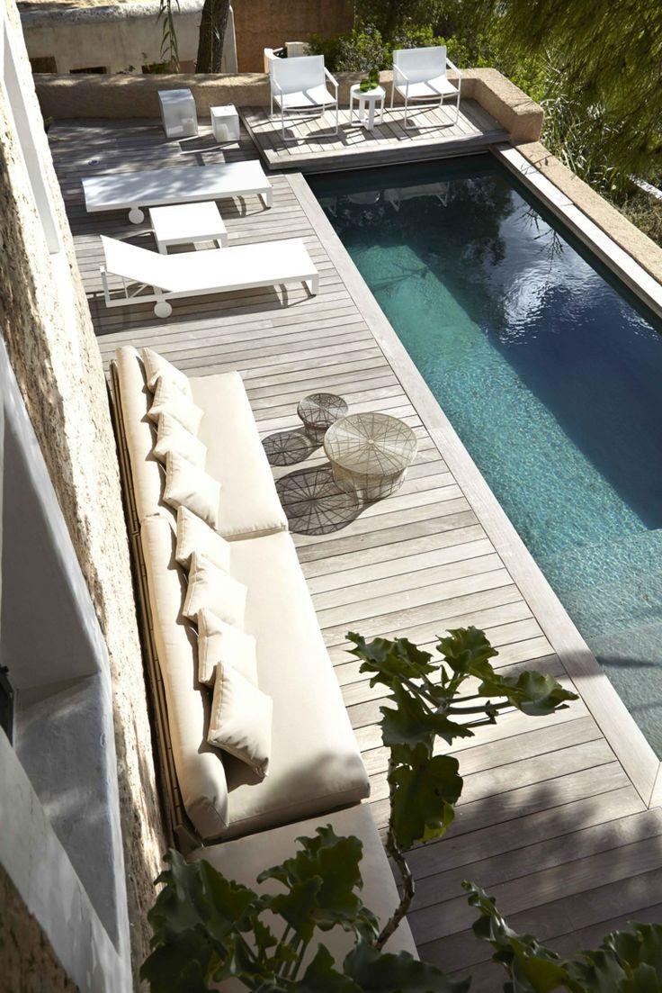 Gartendekoration mit Pool und Tipps für Gartenmöbel