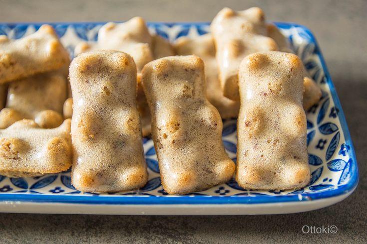 C'est à partir de la recette du généreux Chef, Philippe Conticini (voir vidéo du mercredi sur sa page Facebook*), que j'ai confectionné ces mignonspetits oursons. Ils sont bien moelleux à cœur, on...