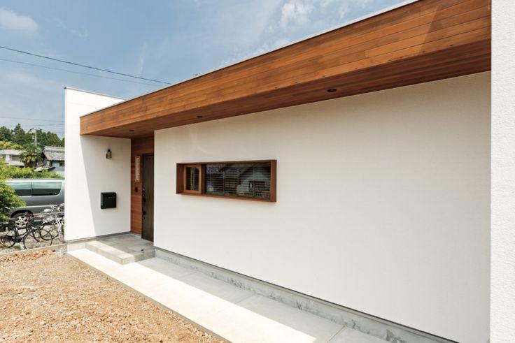 黒の外壁が映える!縦長リビングと光をより多く取り入れる窓の家(神戸町・Y様邸)