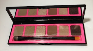 Bobbi Brown Nude Palette: all go-to shades for dressing eyes up or down.